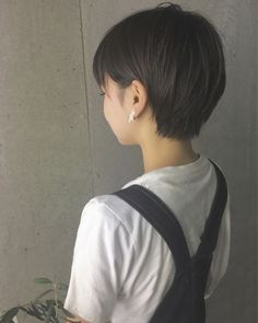Today we have the most stylish 86 Cute Short Pixie Haircuts. We claim that you have never seen such elegant and eye-catching short hairstyles before. Pixie haircut, of course, offers a lot of options for the hair of the ladies'… Continue Reading → Short Pixie Haircuts, Haircuts For Long Hair, Girl Haircuts, Hairstyles Haircuts, Cool Hairstyles, Asian Short Hair, Girl Short Hair, Short Hair Cuts, Short Hair Korean Style