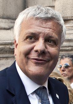 """""""Dobbiamo dire con forza che non ci saranno mai piùcondoni edilizi, perchésono dei tentati omicidi alla tutela del nostro territorio"""". Lo ha detto il ministro dell'Ambiente, Gian Luca Galletti, i..."""