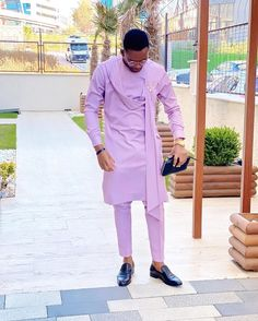 If you're looking for the latest native wears for guys, this post is for you. I've selected the best native styles for men for you and there are some tips. African Male Suits, African Wear Styles For Men, African Shirts For Men, African Dresses Men, African Attire For Men, African Clothing For Men, African Men Style, African Women, Nigerian Men Fashion