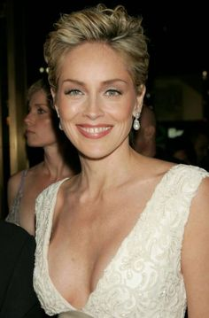 Hairstyles For School, Short Hairstyles For Women, Sharon Stone Hairstyles, Gorgeous Hairstyles, Sharon Stone Short Hair, Short Hair Cuts, Short Hair Styles, Sharon Stone Photos, Celebs