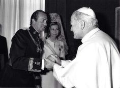 Pope John Paul II meets with King Juan Carlos and Queen Sofia of Spain at the Vatican.