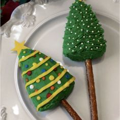 Christmas Tree Pretzel Pops - Pretzel Recipes curated by SavingStar. Save money on your groceries with eCoupons at savingstar.com