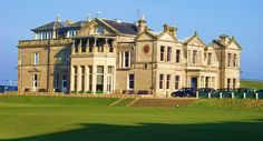 St Andrews Old Course. The R&A headquarters overlooks the 18th green