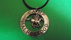 Ciondolo Half Blood Camp. Prezzo standard: 7 euro.