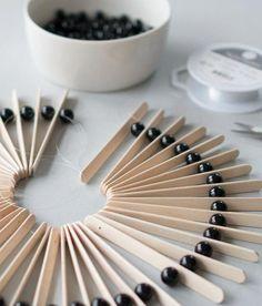 For more special diy home decor examples press the link to peruse the website idea 8447258761 now. Diy Crafts For Gifts, Diy Home Crafts, Craft Stick Crafts, Handmade Crafts, Wood Crafts, Diy Home Decor, Painted Mugs, Boho Diy, Diy Art