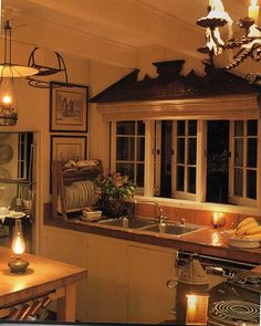 Belclaire House: Kitchens