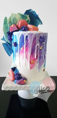 Wedding Cake Inspiration : 22 Visually Superb Drip Cakes Salted caramel popcorn, Charlie and the Chocolate Factory and pastel drip wedding cakes galore! Pretty Cakes, Cute Cakes, Beautiful Cakes, Yummy Cakes, Amazing Cakes, Sweet 16 Cakes, Bolo Drip Cake, Bolo Cake, Drip Cakes