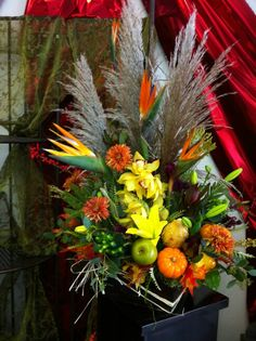 Fall floral arrangement for weekly corporate account. By Robyn