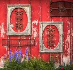 Salvaged items—including grates, grills and picture frames—look perfect on weathered outdoor walls. More ideas for vintage finds: http://www.midwestliving.com/homes/decorating-ideas/decorating-ideas-for-vintage-finds/page/29/0
