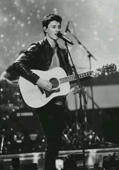 Shawn Mendes <3 <3 <3