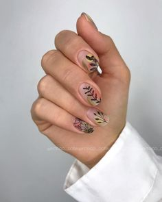 Semi-permanent varnish, false nails, patches: which manicure to choose? - My Nails Trendy Nail Art, Cool Nail Art, Uñas Art Deco, Hair And Nails, My Nails, Nail Art Designs, Nail Selection, Nail Art Instagram, Nailart