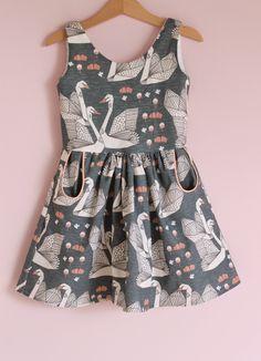 Jansen: Autumn Swans little girl dress Little Girl Fashion, Little Girl Dresses, Girls Dresses, Fashion Moda, Fashion Week, Kids Fashion, Latest Fashion, Fashion Trends, 12 Year Girl Dress