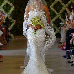 Oscar de la Renta Spring 2013 Bridal Collection. Gorgeous!!! 212 872 8957