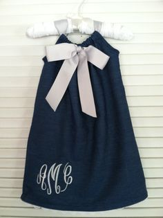 Girls Denim Pillowcase dress.  I could do this with a cute pair of worn out jeans