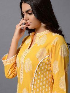 Printed Kurti Designs, Salwar Designs, Kurta Designs Women, Kurti Designs Party Wear, Neck Designs For Suits, Sleeves Designs For Dresses, Dress Neck Designs, Sleeve Designs, Kurti Sleeves Design