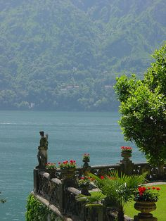 """visitheworld: """" Terrace of Villa Balbianello, Lake Como, Italy (by Matt & Kristy). Lac Como, Siena Toscana, Places To Travel, Places To See, Wonderful Places, Beautiful Places, Comer See, Lake Como Italy, Travel Aesthetic"""