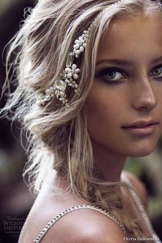 Awesome Boho Bridal Hairstyle Ideas!