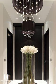 **Modern Decor ~ Flowers/Vase/Lights