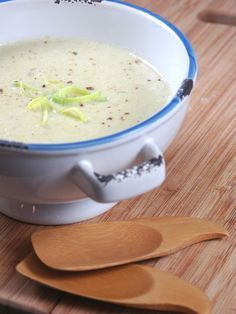 Recipe for Creamy Potato Leek Soup Soup Recipes, Vegetarian Recipes, Cooking Recipes, Healthy Recipes, Creamy Potato Leek Soup, Potato Soup, Super Dieta, Salty Foods, Winter Food