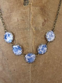 .A vintage Dutch necklace of Delft Be stones in silver settings.