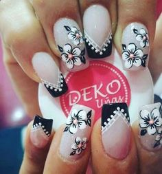 Instagram Image Manicure Nail Designs, Manicure And Pedicure, Nail Art Designs, Gorgeous Nails, Pretty Nails, Nails Only, Silver Nails, Flower Nail Art, Beautiful Nail Designs