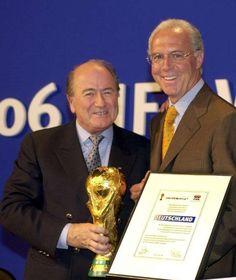 Endlich redet Franz Beckenbauer im Sommermärchen-Skandal http://www.bild.de/sport/fussball/franz-beckenbauer/nach-seinem-verhoer-43158990.bild.html