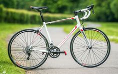Can the Giant Defy 3 live up to Giant's distinguished reputation in the history of aluminium road bikes?