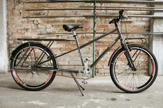 Bicicleta long tail brasileira, tipo cargueira, marca Art Trike. Bike rabo longo para cargas, cicloturismo, viagens, carregar alforges, bagageiro traseiro comprido.