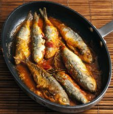 ΓΟΠΕΣ ΤΗΓΑΝΙΤΕΣ ΜΕ ΚΡΑΣΙ ΜΟΣΧΑΤΟ Greek Recipes, Fish Recipes, Seafood Recipes, My Recipes, Cooking Recipes, Favorite Recipes, Recipies, Greek Fish, Greek Cooking