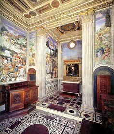 Chapel of Medici Palace, frescoed 1459 by Benozzo Gozzoli, altarpiece by Filippo Lippi
