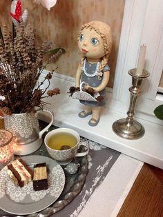 Ceramic Art, Stained Glass, Gardens, Birds, Ceramics, Dolls, Art, Ceramica, Baby Dolls