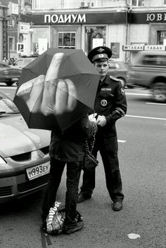 Skládací deštník Fuck the rain Rain Umbrella, Funny Umbrella, Poster S, Humor Grafico, Jolie Photo, Black And White Photography, Street Photography, Photography Humor, Rain Photography