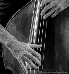 Contrabajo Jazz by Ricardo Ríos, via 500px