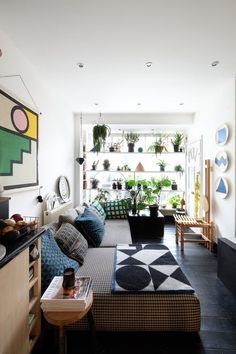 House Tour: A Modern, Graphic, Geometric London Flat | Apartment Therapy
