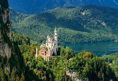 En perspectiva, el castillo de Neuschwanstein, Alemania.