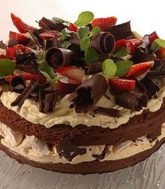 Este se ve buenísimo Icebox Desserts, Köstliche Desserts, Delicious Desserts, Sweet Recipes, Cake Recipes, Desert Recipes, Cakes And More, Party Cakes, Yummy Cakes