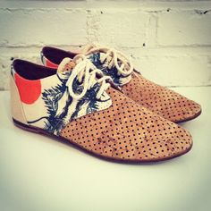 please give me these shoes