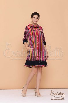 Batik Fashion, Ethnic Fashion, Hijab Fashion, African Fashion, Fashion Dresses, Women's Fashion, Batik Blazer, Blouse Batik, Batik Dress