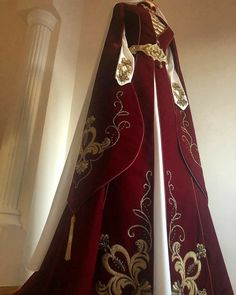 Pretty Outfits, Pretty Dresses, Russian Wedding, Fantasy Gowns, Medieval Dress, Kinds Of Clothes, Character Outfits, Stunning Dresses, Traditional Dresses