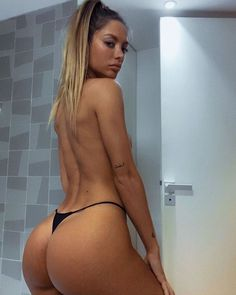 A fresh hot batch of sexy backs : theCHIVE Bordeaux, Bikini Babes, Thong Bikini, Sexy Bikini, Bikini Girls, Playboy, Corpo Sexy, Strip, Lingerie Models