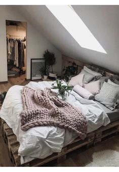 Ideas for wooden pallet beds, ideas for wooden pallet beds, # for . - Ideas for wooden pallet beds, ideas for wooden pallet beds, p - Bedroom Inspo, Home Decor Bedroom, Earthy Bedroom, Gray Room Decor, Bedroom Decor For Couples Cozy, Bedrooms Ideas For Small Rooms, Room Decor Boho, Cozy Master Bedroom Ideas, Pallet Ideas For Bedroom