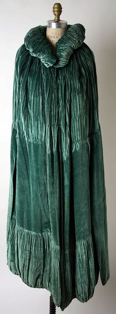 Evening Cape 1925, French, Made of silk