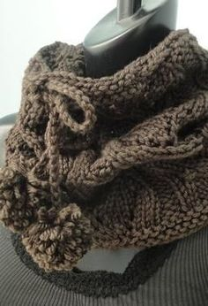 Drawstring Lace Cowl - Free Knitting Patterns by SweaterBabe