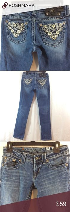 """MISS ME embellished JW5410T2V Straight jeans Very good condition. 31"""" inseam, 14"""" across waist. Measurements are approximate. Like multiple items I have available? When you bundle 3 items from my closet in the same transaction, you get a discount and only pay shipping ONCE!! When you bundle 4+, you get that PLUS a FREE GIFT! *Free gift increases in value with each additional item bundled* Miss Me Jeans Straight Leg"""