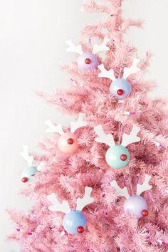 DIY Rudolph Ornaments Christmas Baubles, Xmas Ornaments, Pink Christmas Tree, Christmas 2019, Christmas Tree Decorations, Kids Christmas, Holiday Decor, Holiday Themes, Holiday Ideas