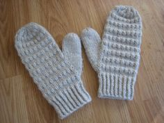 Another mitten pattern worked on two circular needles (although you can use DPNs, too). This pattern is for my Corrugated Mittens . I shoul...