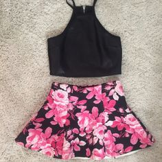 NWOT 2 piece dress Size small top and XS bottom Forever 21 Dresses