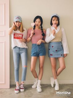 Korean Fashion Similar Look     The Similar Look:    Twinning with your girlfriends without actually looking like twins                  ...