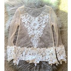 Sheer top Cute and boho chic töp. Not from Free People only using for exposure Free People Tops
