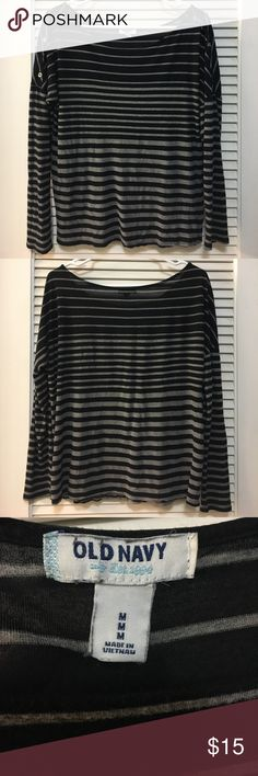 Old Navy Striped Boat Neck Tee Like new Old Navy tee. Scoop boat neck. Shoulder button detail. Approximate flat lay measurements: bust 20 inches, length 23 inches, bottom hem 21 inches. Old Navy Tops Tees - Long Sleeve